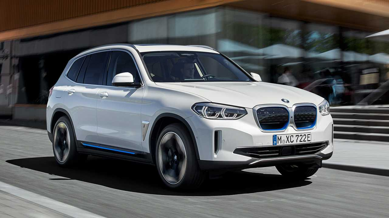 Novità BMW 2021-2022: nuovi suv, modelli elettrici e la Serie 2