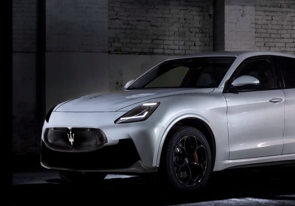 Nuova Maserati Grecale 2021: parte la produzione, Tavares a Cassino