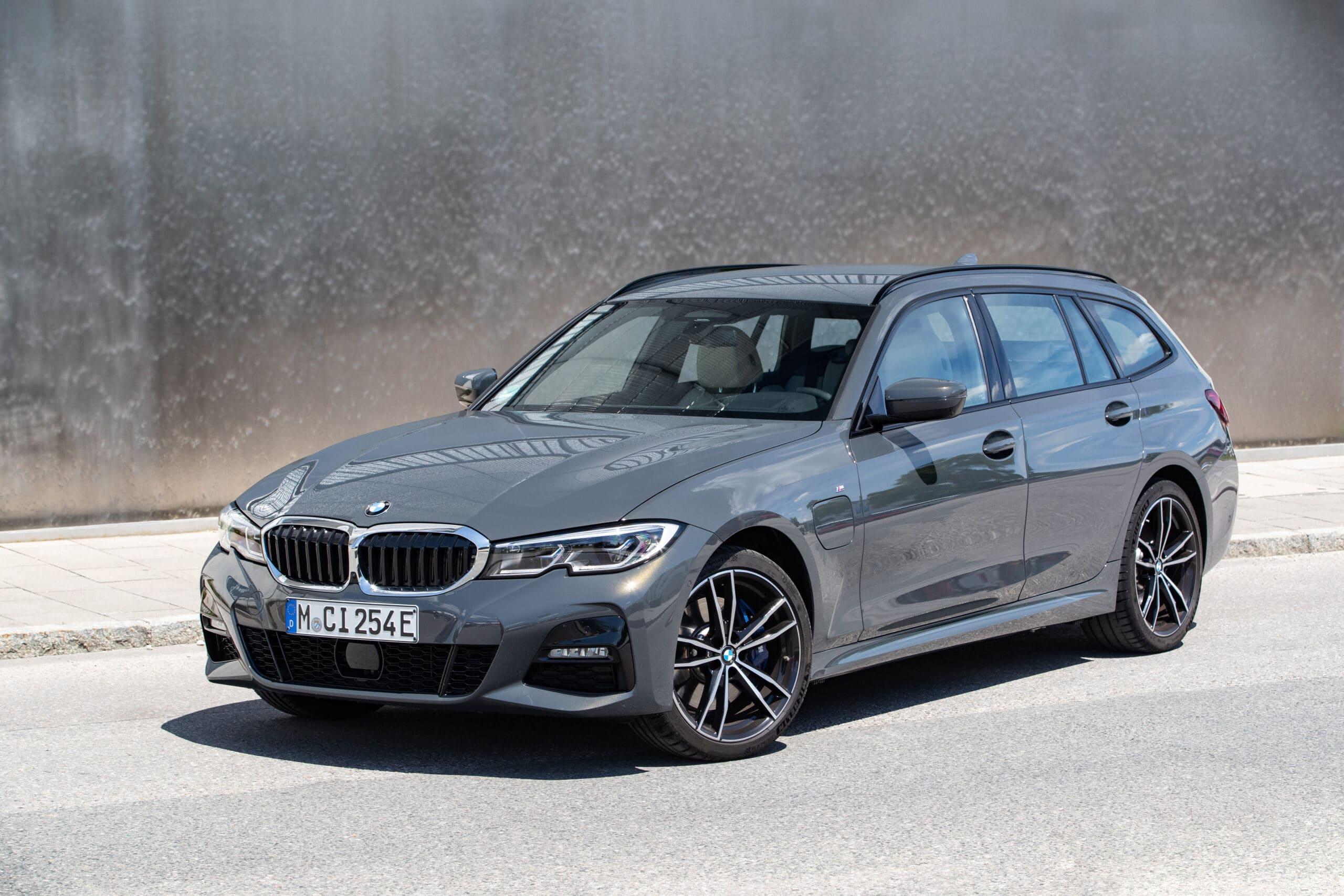 Nuove BMW ibride: Serie 3 e Serie 5 ora plug-in