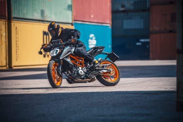Nuovi modelli in casa KTM, info e costi della 125 e 390 Duke 2021